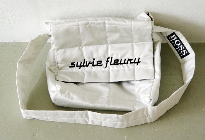 sf1999formulaonedress-shoulderbag700